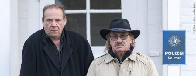 Versetzt nach Kollmar - Die Polizisten Klaus und Hartmut sind sichtlich nicht begeistert.