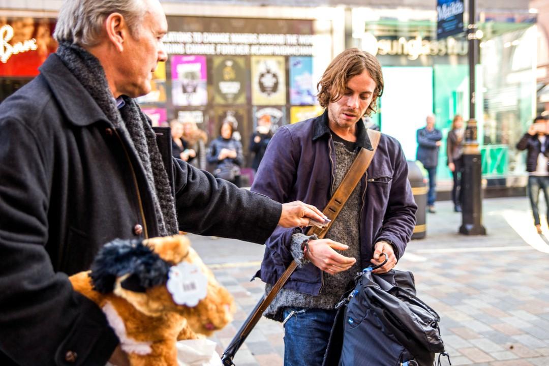 Bob Der Streuner: 2017 kommt die berühmteste Straßenkatze der Welt ins Kino - Bild 1 von 18