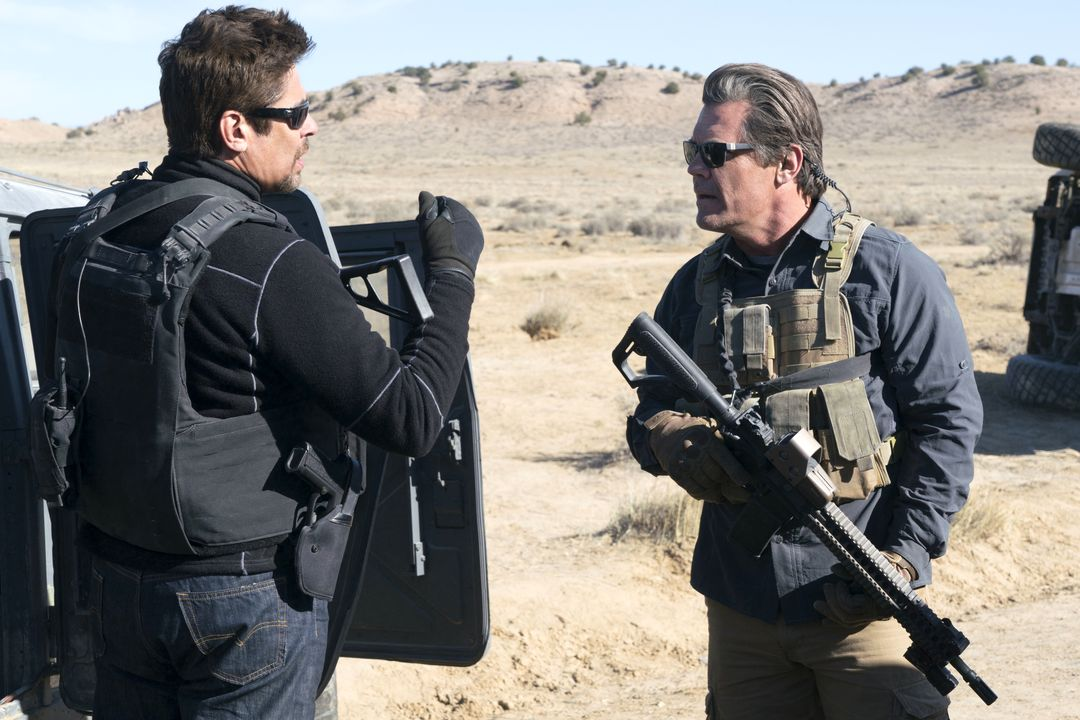 Benicio Del Toro ohne Regeln im Haupttrailer zu Sicario 2 - Bild 1 von 6