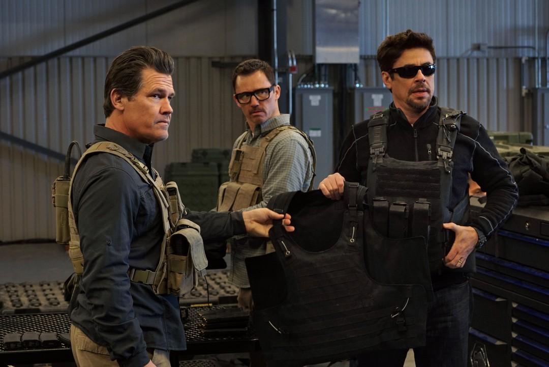 Benicio Del Toro im Haupttrailer zu Sicario 2 - Bild 6 von 6
