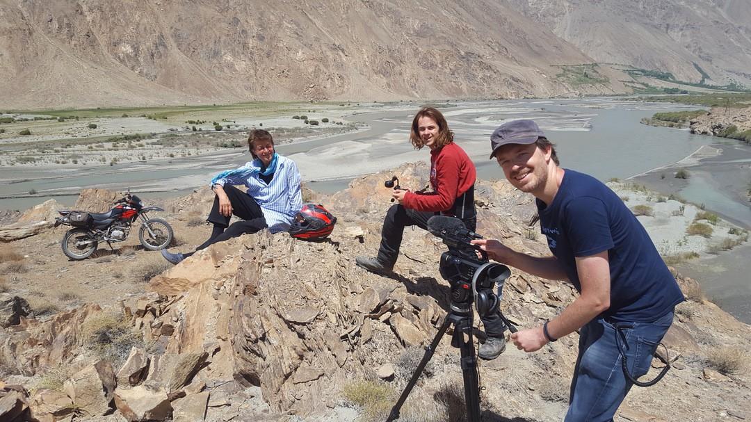 Über Grenzen - Der Film einer langen Reise Trailer - Bild 1 von 9