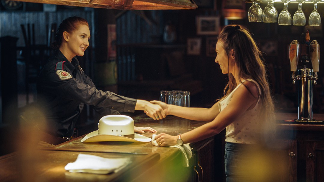 Wynonna Earp Trailer - Bild 1 von 22